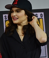 rachel-weisz-2019-san-diego-international-comic-con-marvel-black-widow-july-21-2019_100.jpg