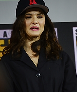 rachel-weisz-2019-san-diego-international-comic-con-marvel-black-widow-july-21-2019_102.jpg